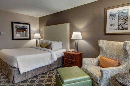 DCACHGI rooms full01 kingsuite