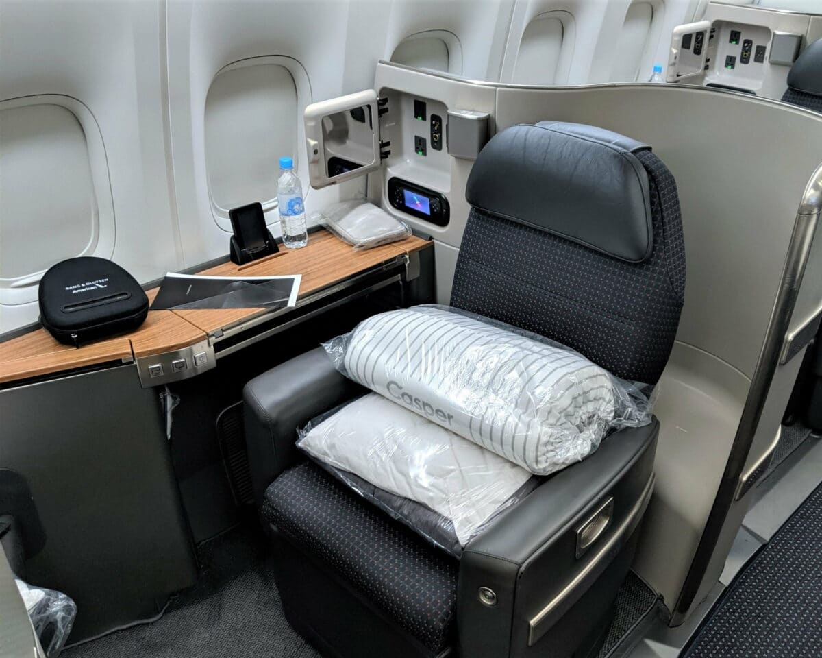 Featured American Airlines First Class 777 300ER Photo by JT Genter scaled 1