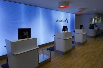Flagship First Check In desks